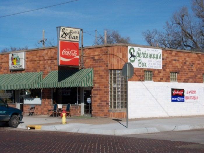 Sportsman Bar: 501 N Pine St, Grand Island, NE