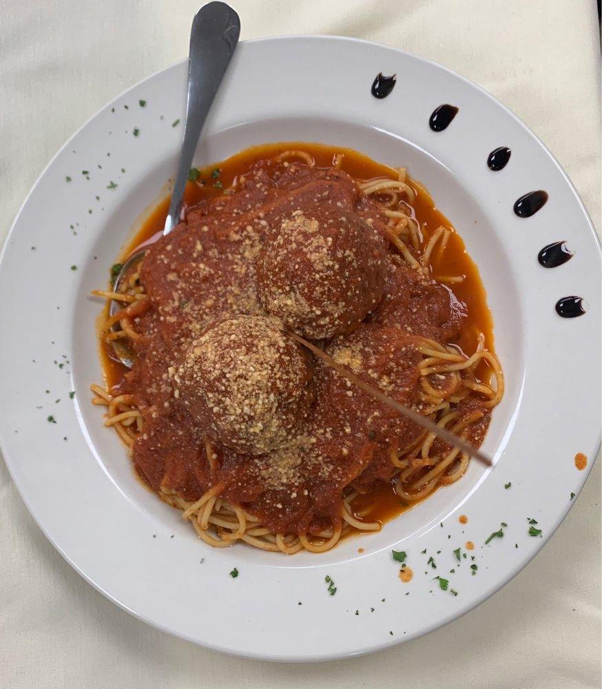 Falcone's Italian Restaurant: 5013 Southport Crossing Way, Southport, NC
