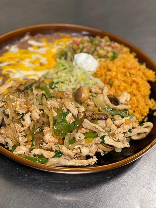Tapatio Mexican Grill: 1810 4th St SW, Waverly, IA