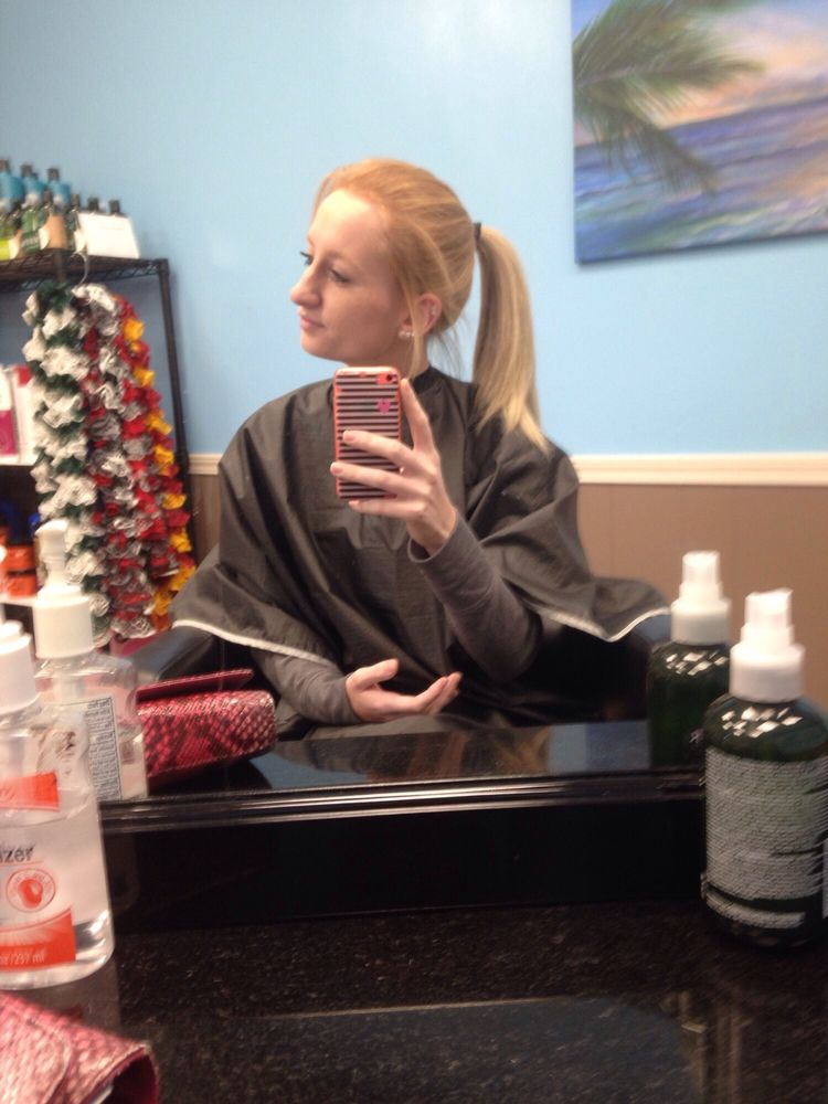 Hello Beautiful Salon And Spa: 711 Bank St, Lodi, OH