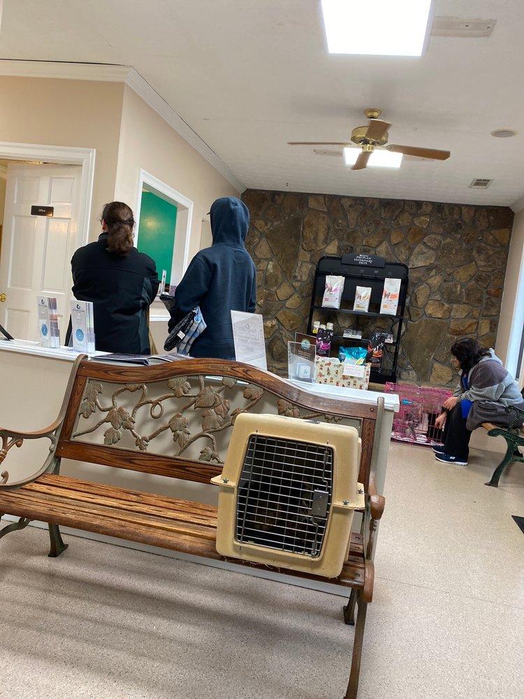 Animal Amour Veterinary Hospital & Pet Lodge: 11500 Tara Blvd, Hampton, GA