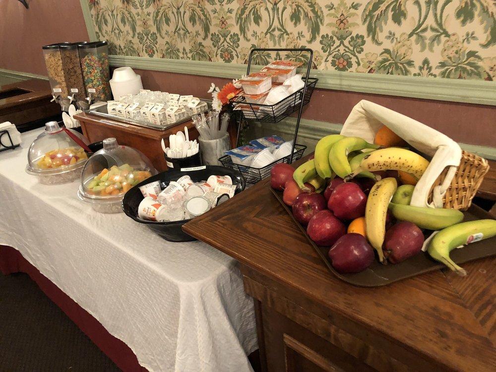 Ramada Inn Restaurant: 2016 E 16th Ave, Cordele, GA