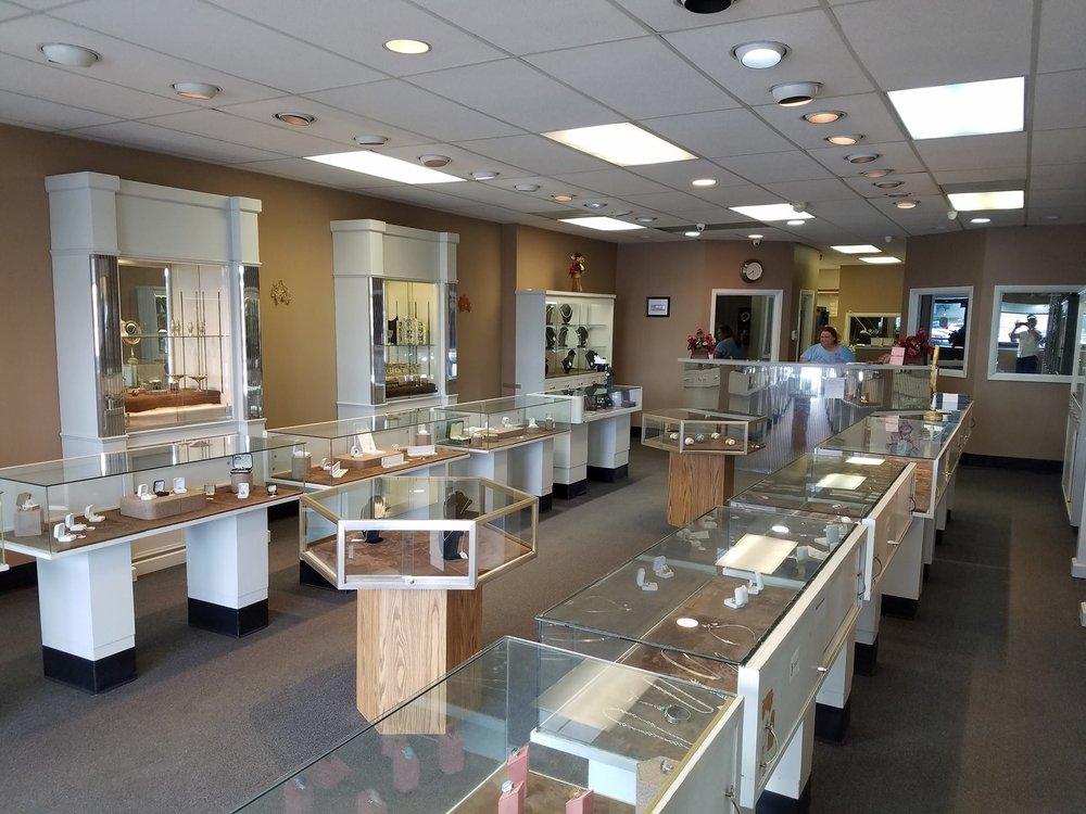 Kragh's Jewelry: 485 Hwy 71 W, Bastrop, TX