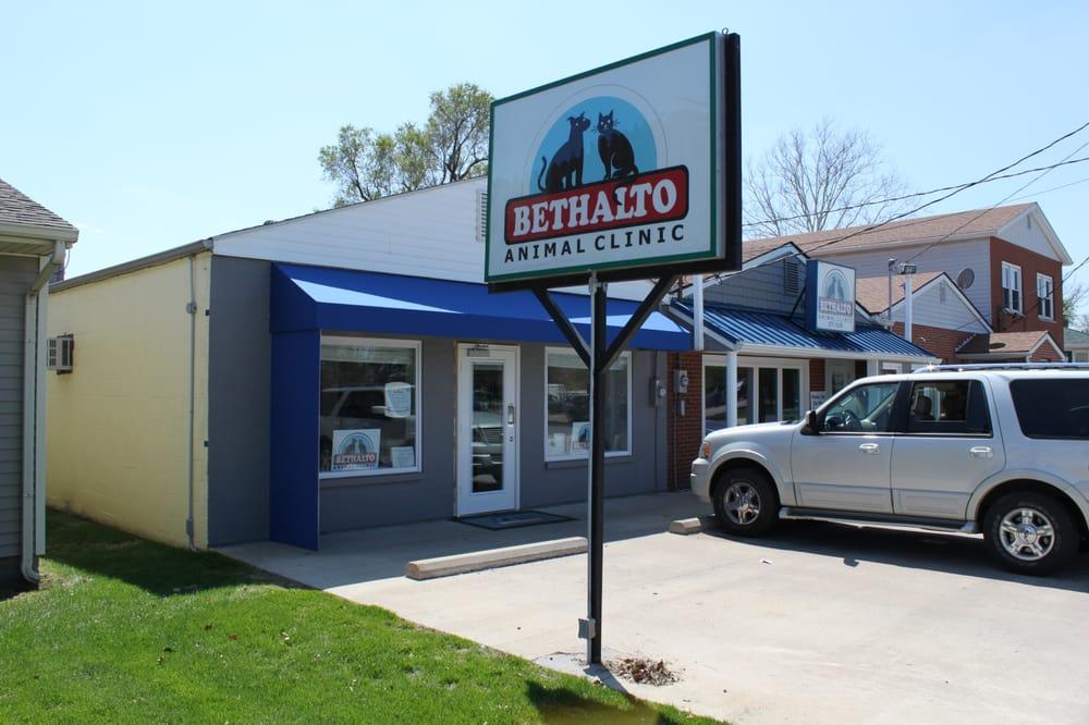 Bethalto Animal Clinic: 132 W Bethalto Blvd, Bethalto, IL