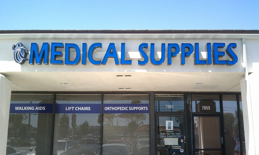 Wellness Medical Store front located on the corner of Valley View