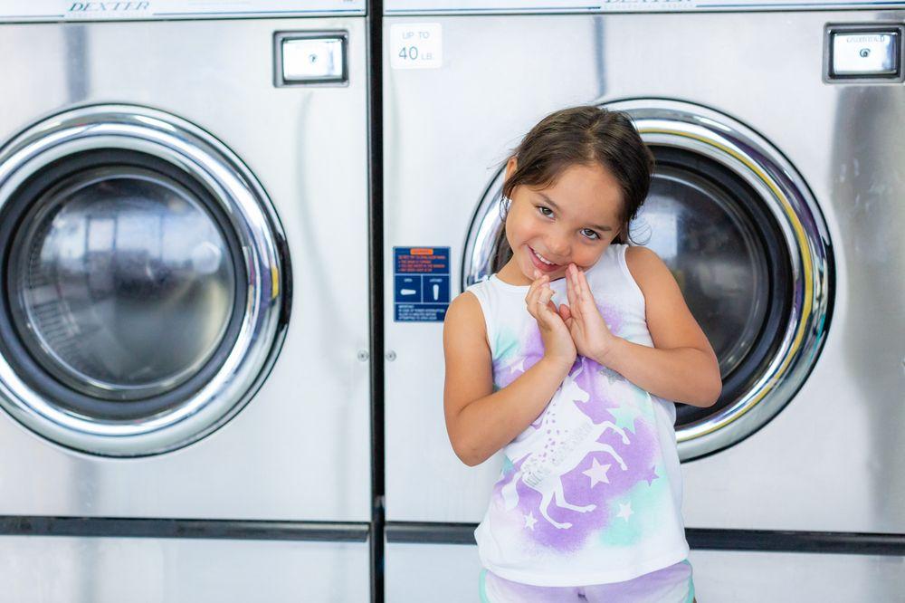 East 10 Laundry: 3318 Hwy 10 E, Moorhead, MN