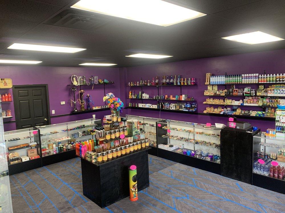 Black Rose Smoke Shop: 279 Dover Rd, Clarksville, TN