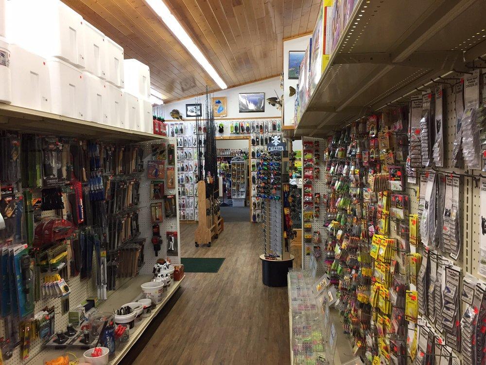 Hayward Bait & Tackle Shop: 15737 Davis Ave, Hayward, WI