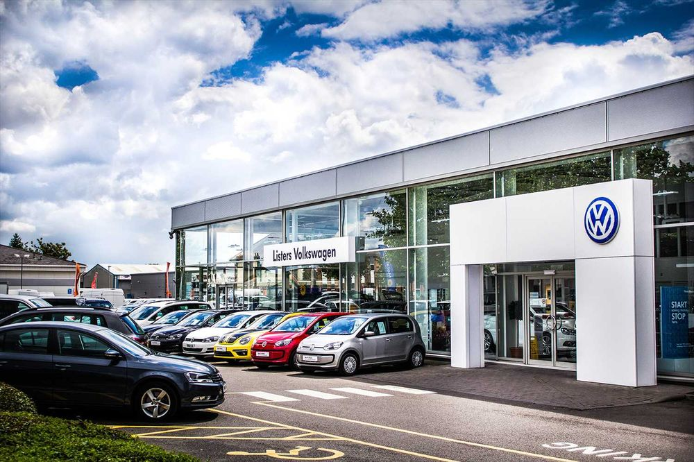 Listers Volkswagen Worcester Car Dealers 157