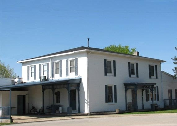 Laurel Hotel: 200 E Pearl St, Laurel, IN