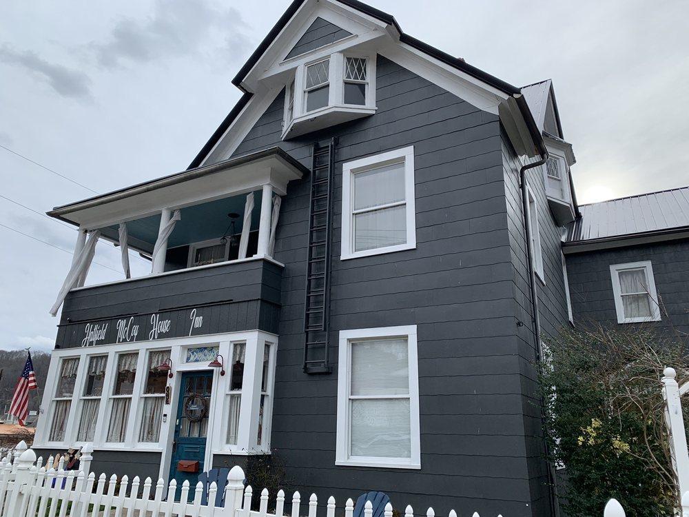 Hatfield McCoy House: 1 W 5th Ave, Williamson, WV