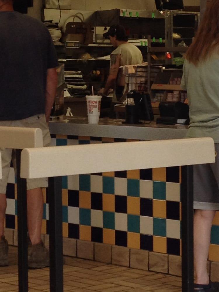 Taco Bell: 4132 Miller Street, Bethany, MO