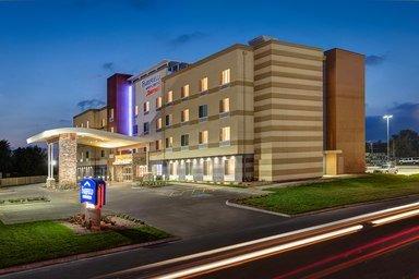 Fairfield Inn & Suites by Marriott Dallas Cedar Hill: 409 North Clark Road, Cedar Hill, TX