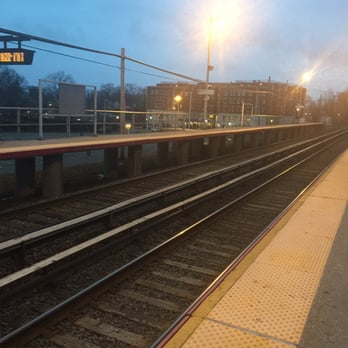 westbury lirr train station 16 reviews train stations 1 post ave westbury ny yelp. Black Bedroom Furniture Sets. Home Design Ideas