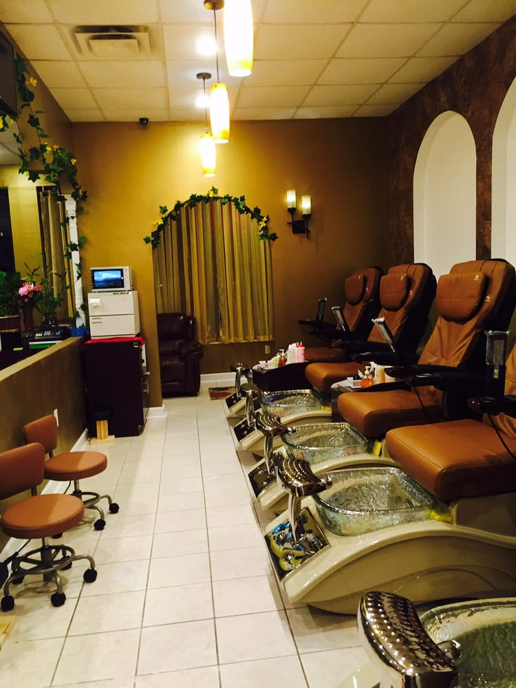 Elite Nails and Spa - 65 Photos & 52 Reviews - Day Spas - 4705 ...