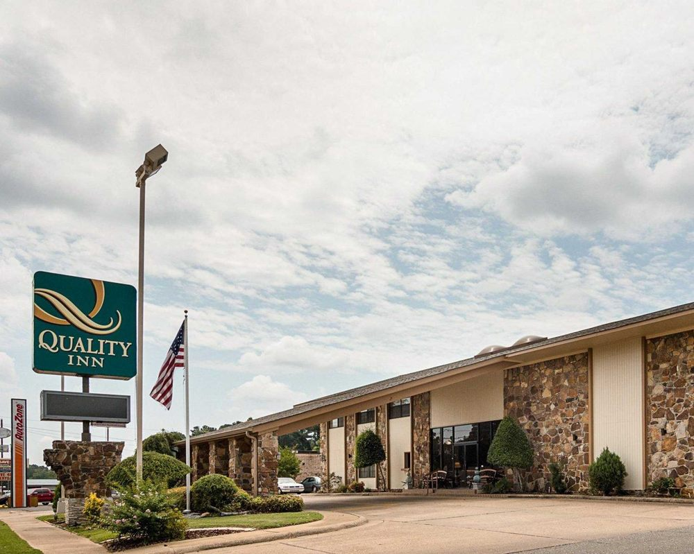 Quality Inn: 411 East Main St, Magnolia, AR