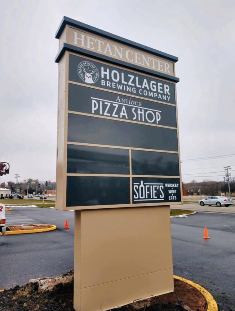 Antioch Pizza Shop: 150 S Eastwood Dr, Woodstock, IL