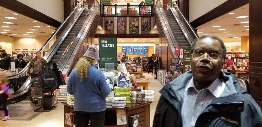 Barnes & Noble: 12089 Rockville Pike, Rockville, MD
