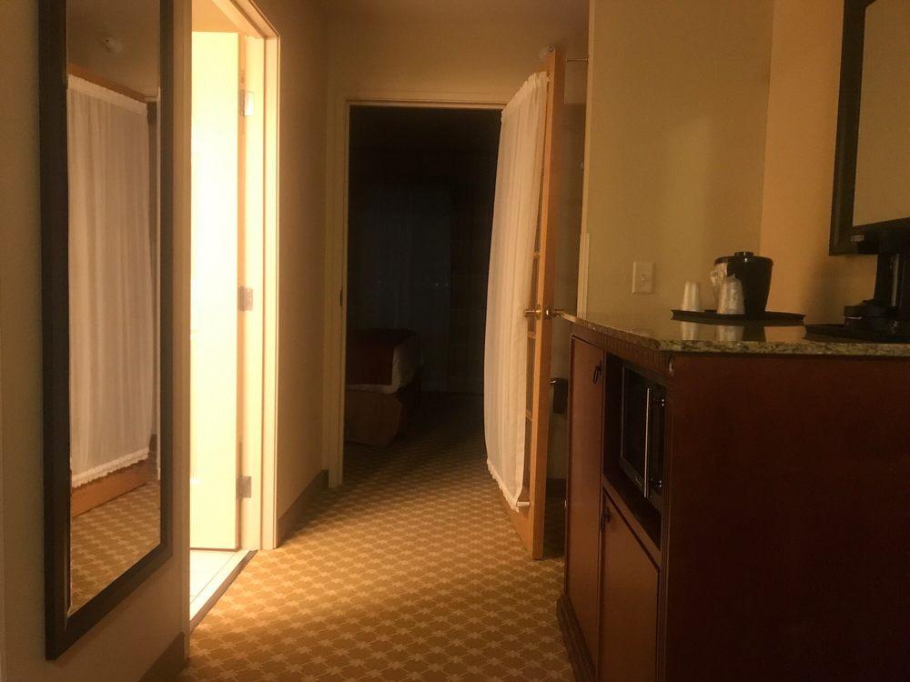 Country Inn & Suites by Carlson-Bloomngtn/Nrmlrprt: 2403 E Empire St, Bloomington, IL