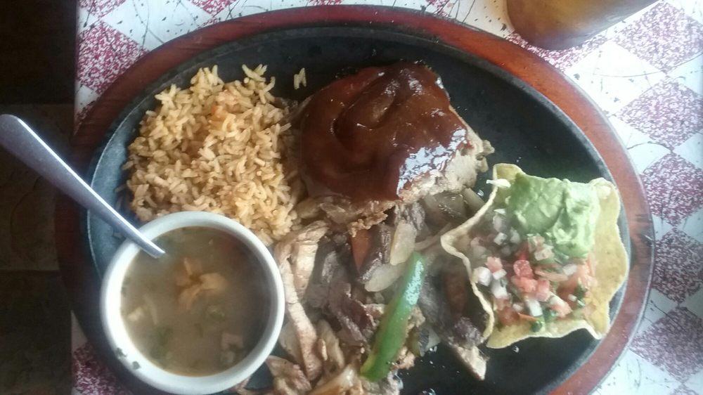 Mi Casa Mexican Restaurant: 1601 1st St, Palacios, TX