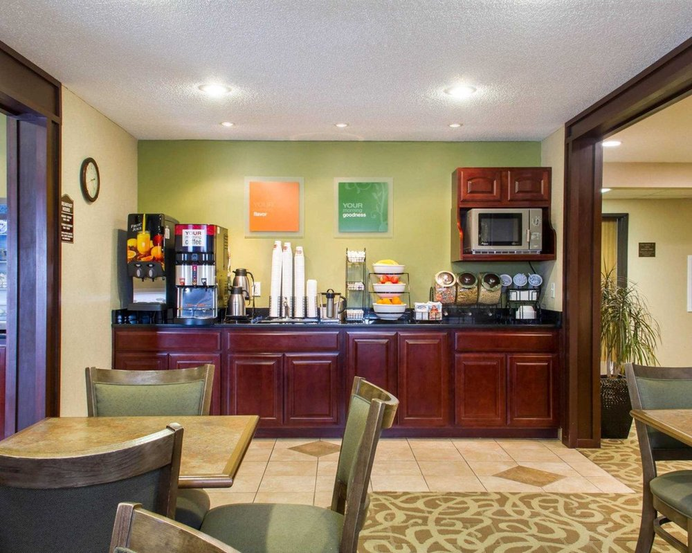 Comfort Inn: 3535 W State St, Grand Island, NE