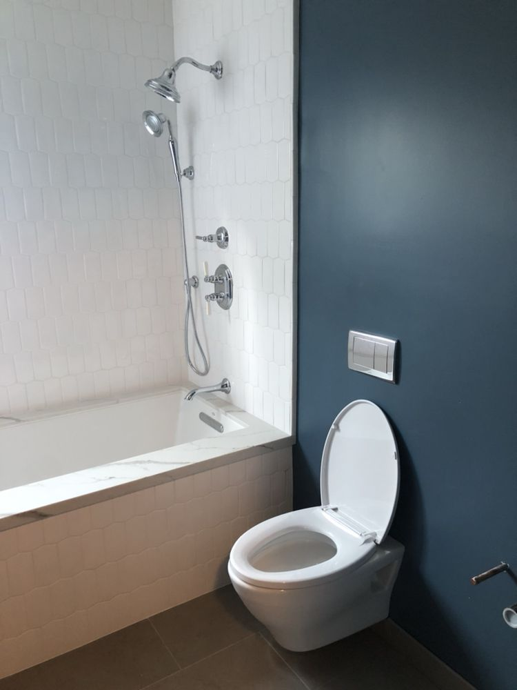 This was the finishing touches after the rough plumbing. Nice TOTO ...