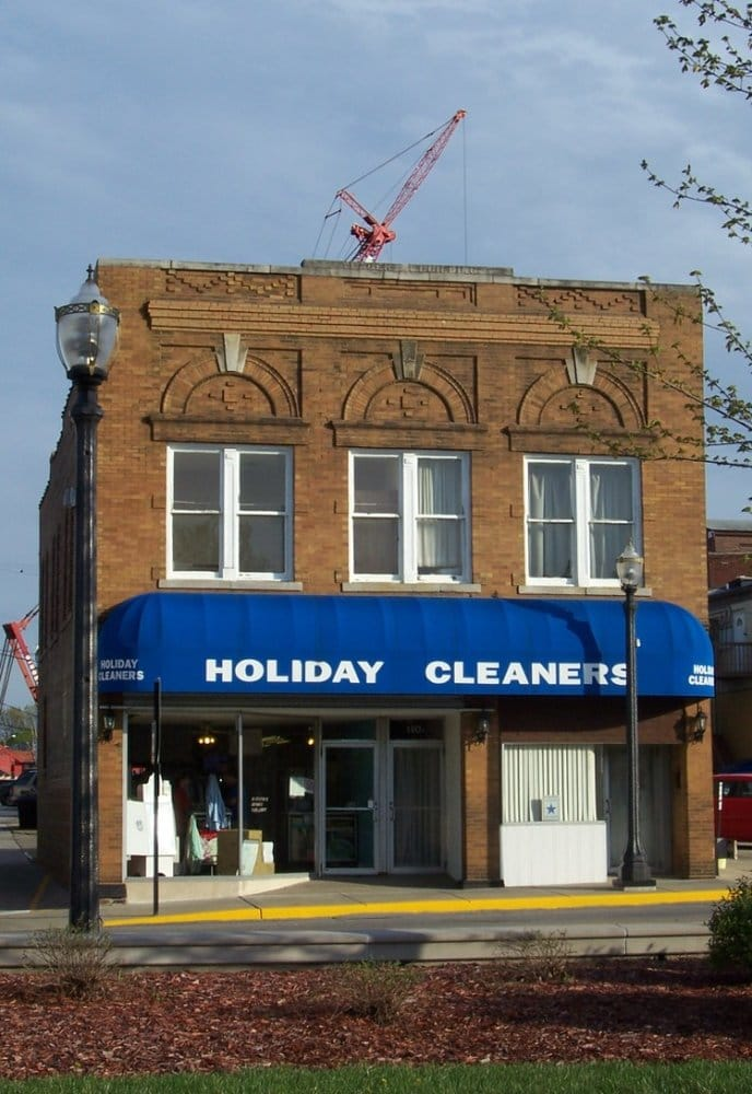 Holiday Cleaners: 112 Hillsboro Ave, Edwardsville, IL