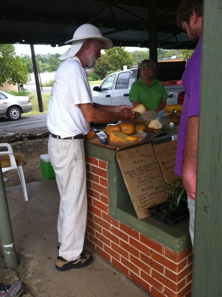 Nacogdoches Farmer's Market: 107 Pearl St, Nacogdoches, TX