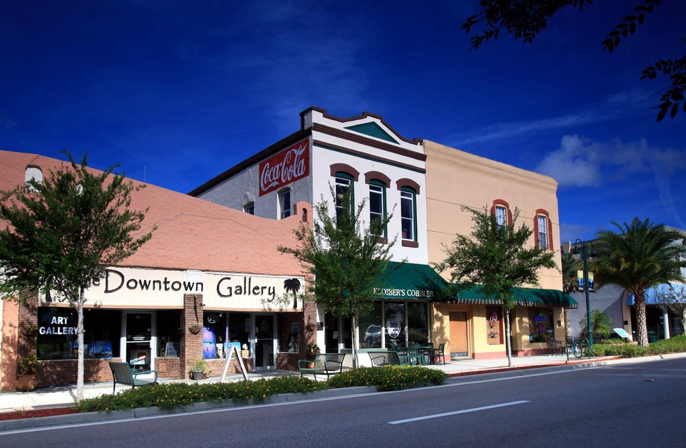 Downtown Art Gallery: 335 S Washington Ave, Titusville, FL