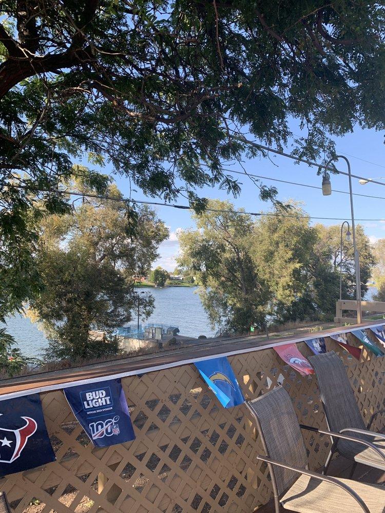 Broadway Bar: 302 W Broadway Ave, Moses Lake, WA