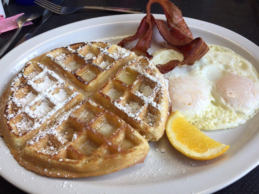 Blue Ribbon Cafe & Bakery: 515 S Washington Ave, Emmett, ID