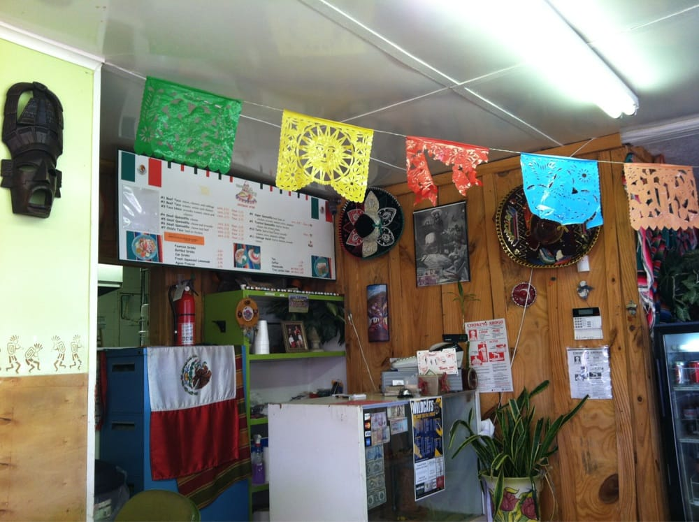 Taqueria El Unico: 806 W Broadway St, Big Sandy, TX