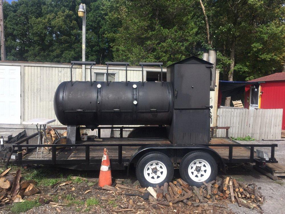 Smokey Joe's Barbecue: 7590 Lincoln Hwy, Central City, PA