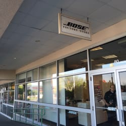 What makes a Bose Factory Store experience so unique? Innovative products, live product demonstrations, custom installations and one-on-one attention from our dedicated staff. And at Bose Factory Stores, you can enjoy Bose performance at an outstanding value .