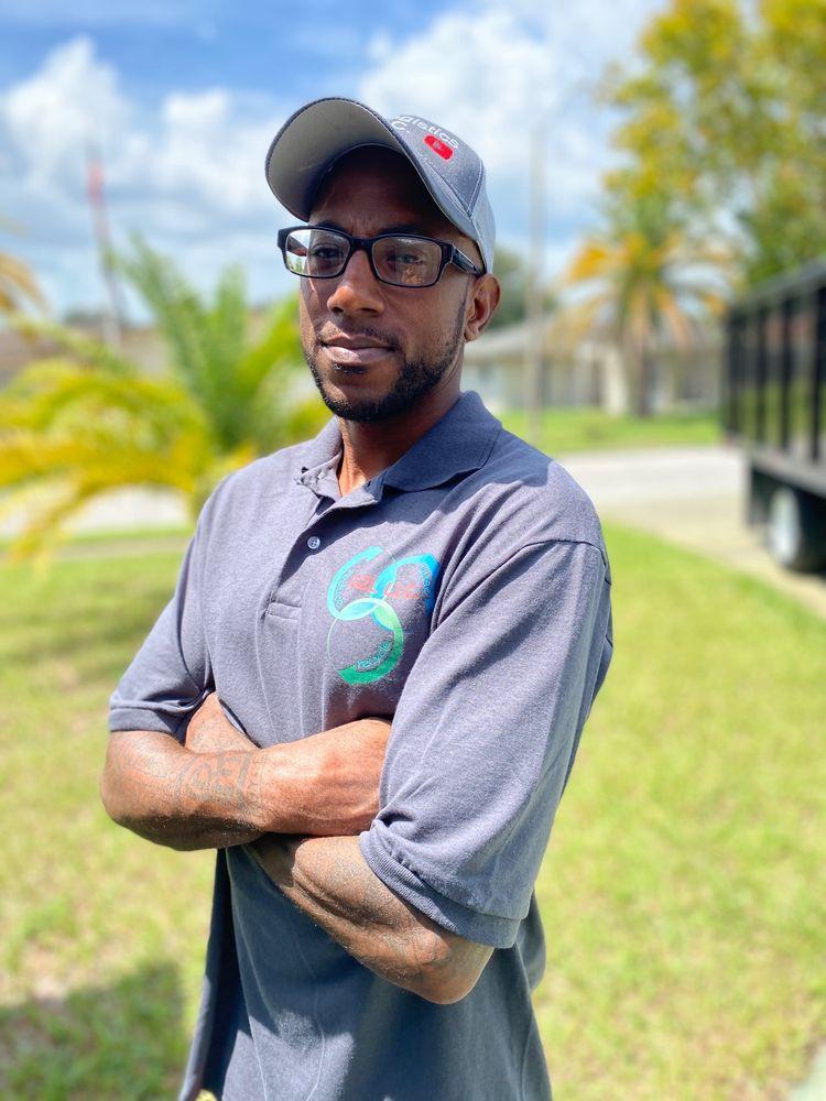 Go2 logistics Junk Removal: Elfers, FL