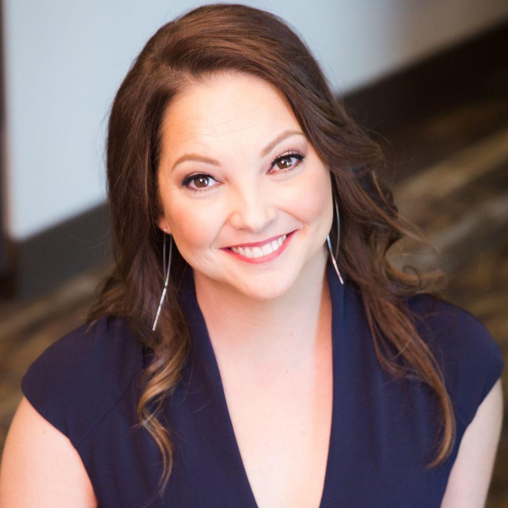 Amber De La Garza, The Productivity Specialist