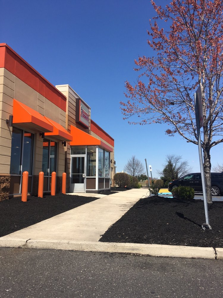 Dunkin' Donuts: 1701 Center Square Rd, Swedesboro, NJ