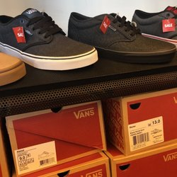 a3f6eba3f5 Vans Outlet - 19 Reviews - Shoe Stores - 882 N Second St