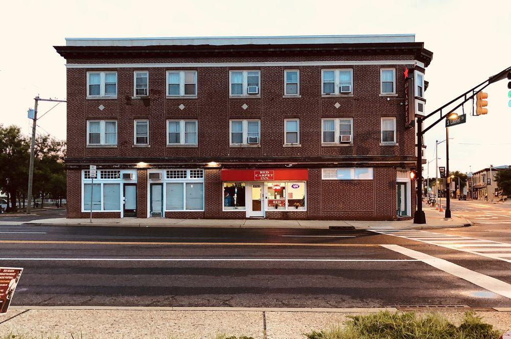 Red Carpet Inn: 11 E Broad St, Bridgeton, NJ