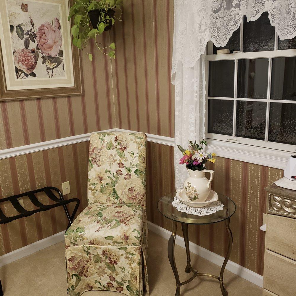 White Pines Estates: 3511 Winchester Grade Rd, Berkeley Springs, WV