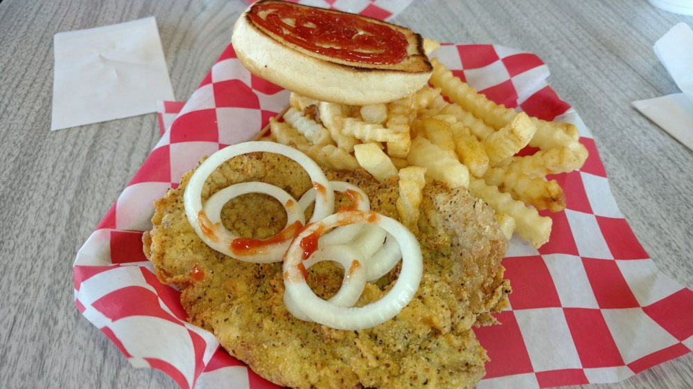 Bobber's Cafe: 1117 Alexandria Pike, Anderson, IN