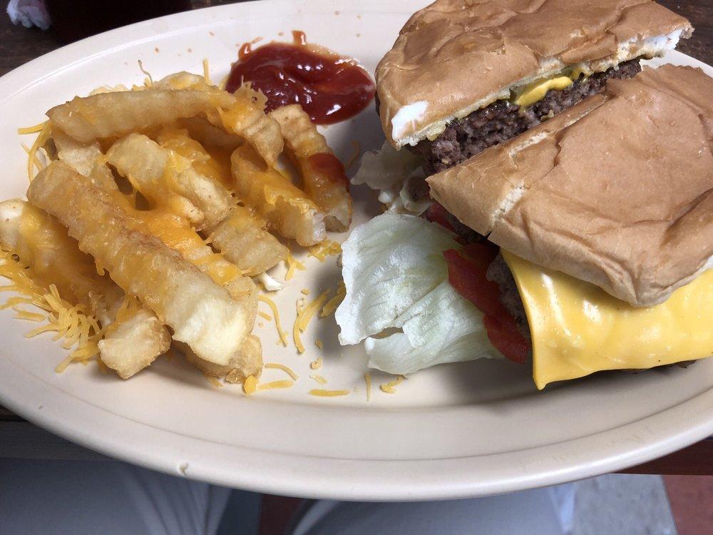 Town Grill: 22 Public Sq, Elkton, KY