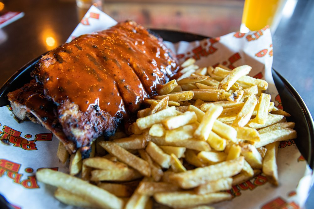 Phil's BBQ: 9816 Mission Gorge Rd, Santee, CA