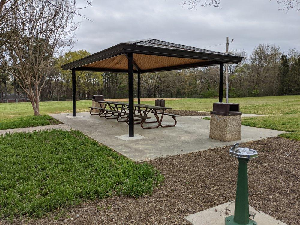 Lige Street Park: 400 Lige St, Rock Hill, SC