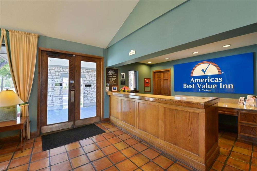 Americas Best Value Inn Columbus, TX: 2436 Highway 71 South, Columbus, TX