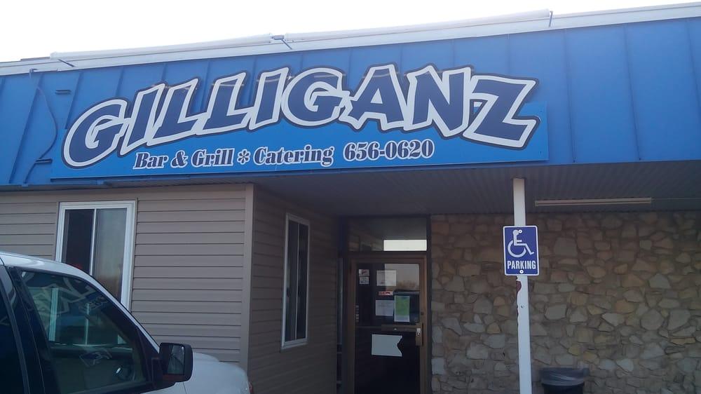 Gilliganz Bar & Grill: 7257 Saint James Dr, Edwardsville, IL