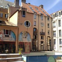 H tel du th tre 10 photos h tels 3 rue du pont for Hotel numero 3