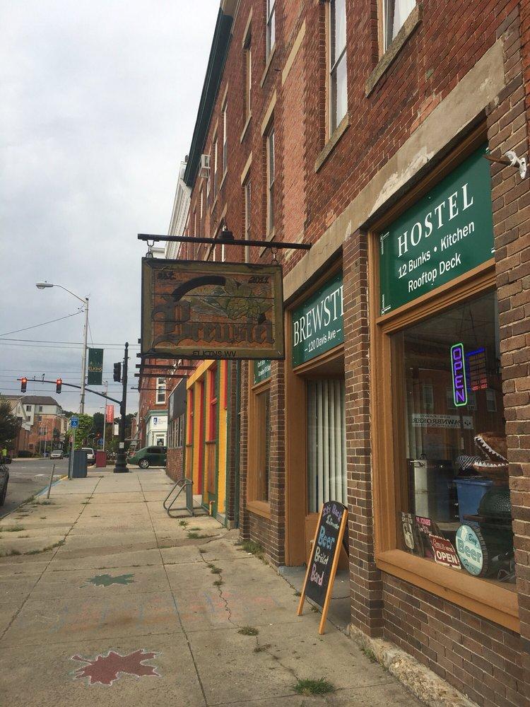 Brewstel Brew Shop & Hostel: 120 Davis Ave, Elkins, WV
