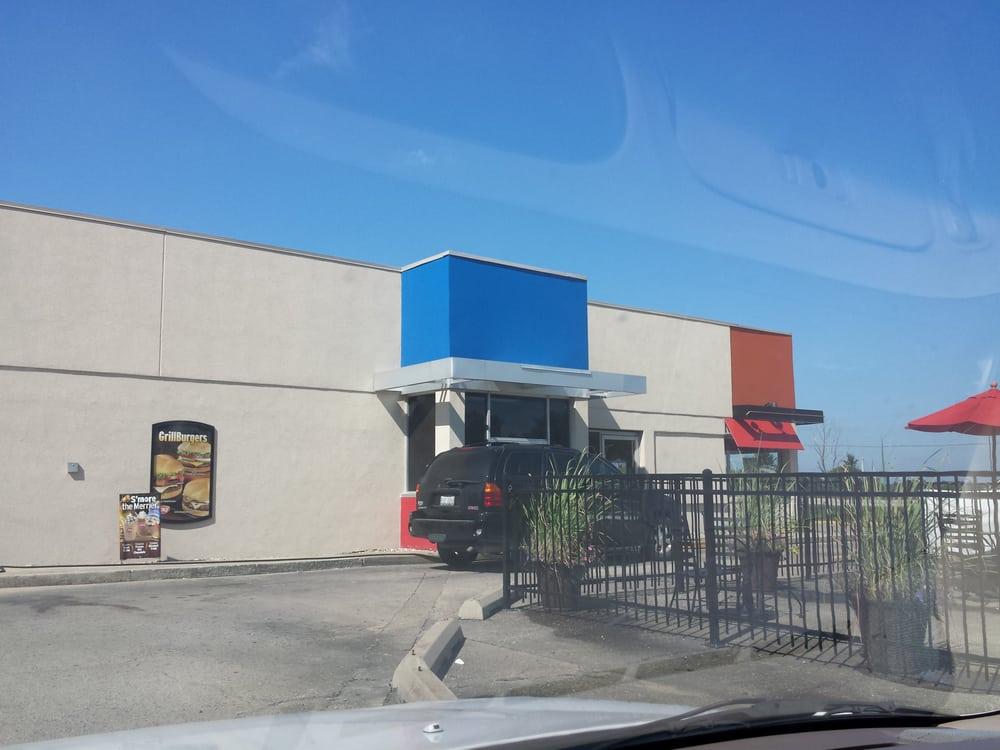 Dairy Queen Grill & Chill: 718 E Elizabeth St, Greenup, IL