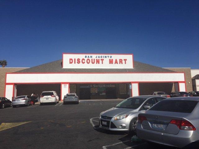 San Jacinto Discount Mart